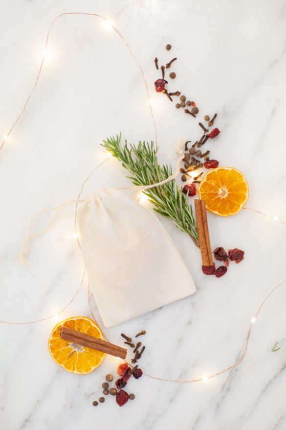 HOW TO MAKE HOLIDAY SIMMERING BAGS