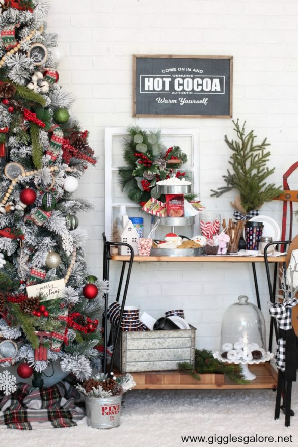 How to Host a Cocoa and Christmas Carols Party
