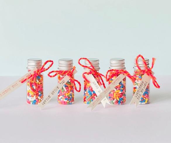 DIY Sprinkle Jar Valentine's