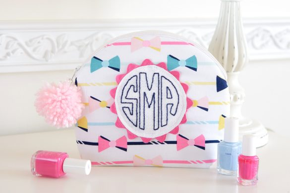 Monogrammed Curved Zipper Pouch Sewing Tutorial