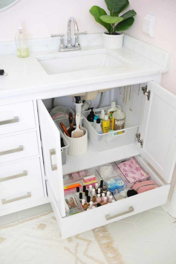 5 Bathroom Storage Mistakes (And How To Fix Them)