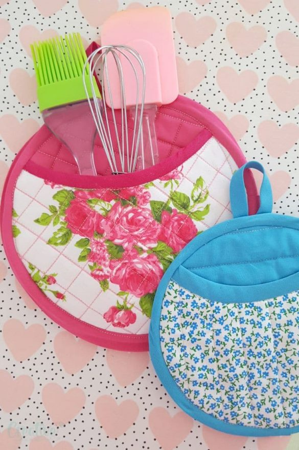 Quilted pot holders with car sun shades