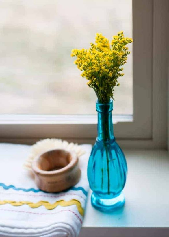 10 Best Essential Oils to Get In (and Stay In) a Good Mood