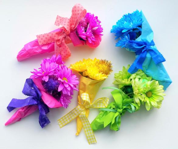 DIY Mini Flower Bouquets