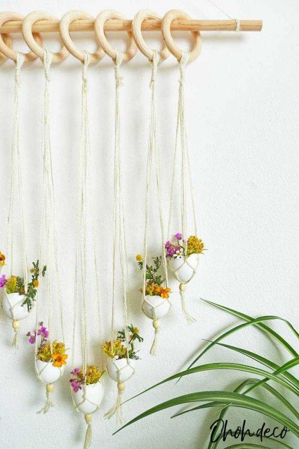 How to make a Seasonal DIY Wall Hanging