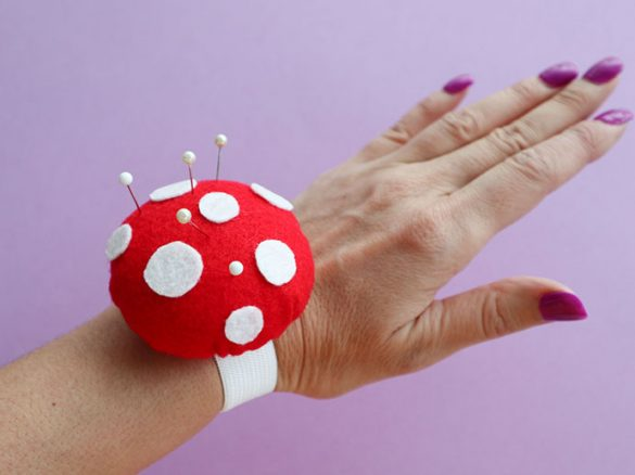 DIY: Toadstool Wrist Pincushion