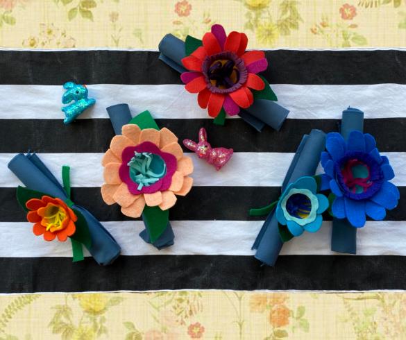DIY Plastic Egg Flowers