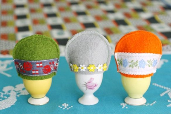 How to make a Felt Egg Cosy with a Vintage twist!