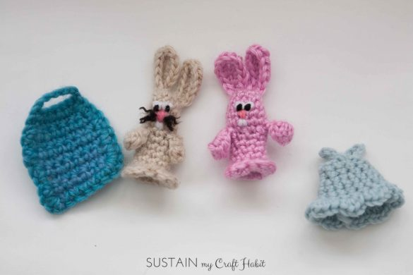 Adorable Crochet Bunny Finger Puppets (Free Pattern!)