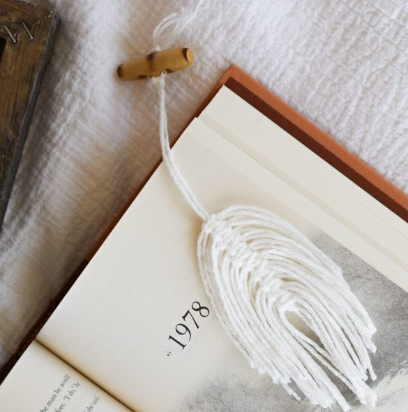 How To Make A Beginner Macrame Feather Bookmark