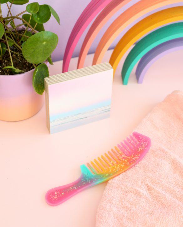 DIY Glitter Resin Unicorn Comb