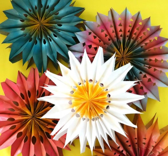 How to make a big paper flowers
