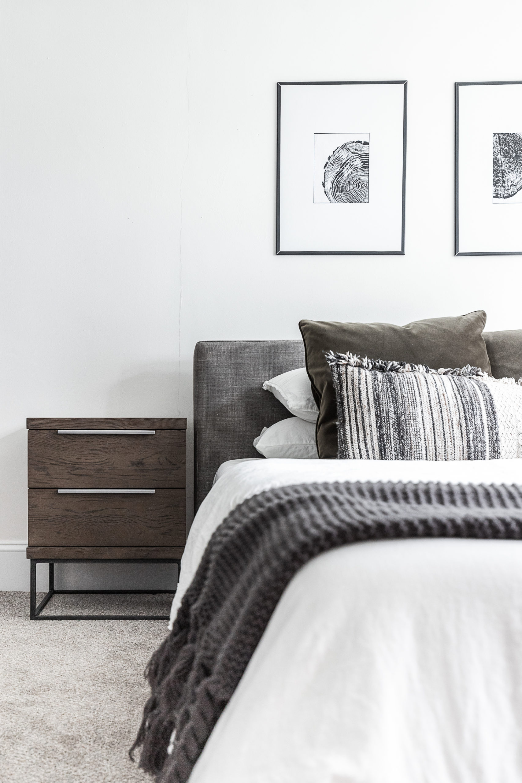 How to Make a Bed – Cozy Minimalist Style