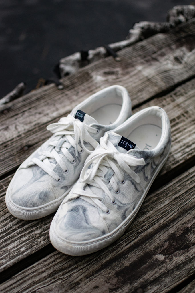 Marble Tie Dye Shoes – how to Marble Tie Dye