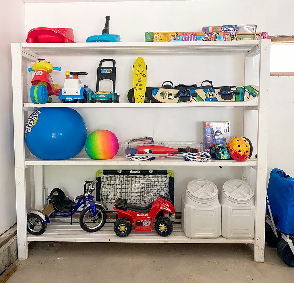 Super Easy DIY 2X4 Garage Shelving
