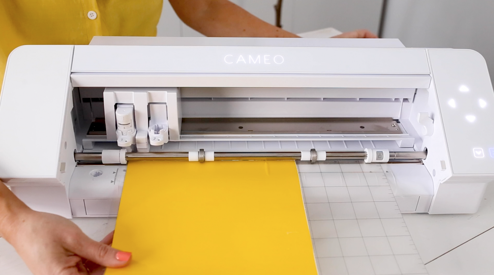 How to Cut with the Silhouette CAMEO 4: A Step by Step Guide
