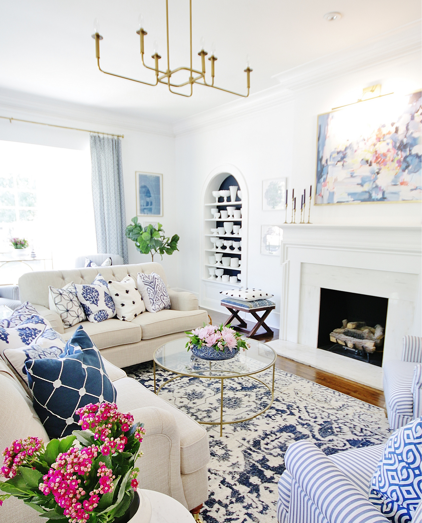 How To Mix Patterns With Blue and White