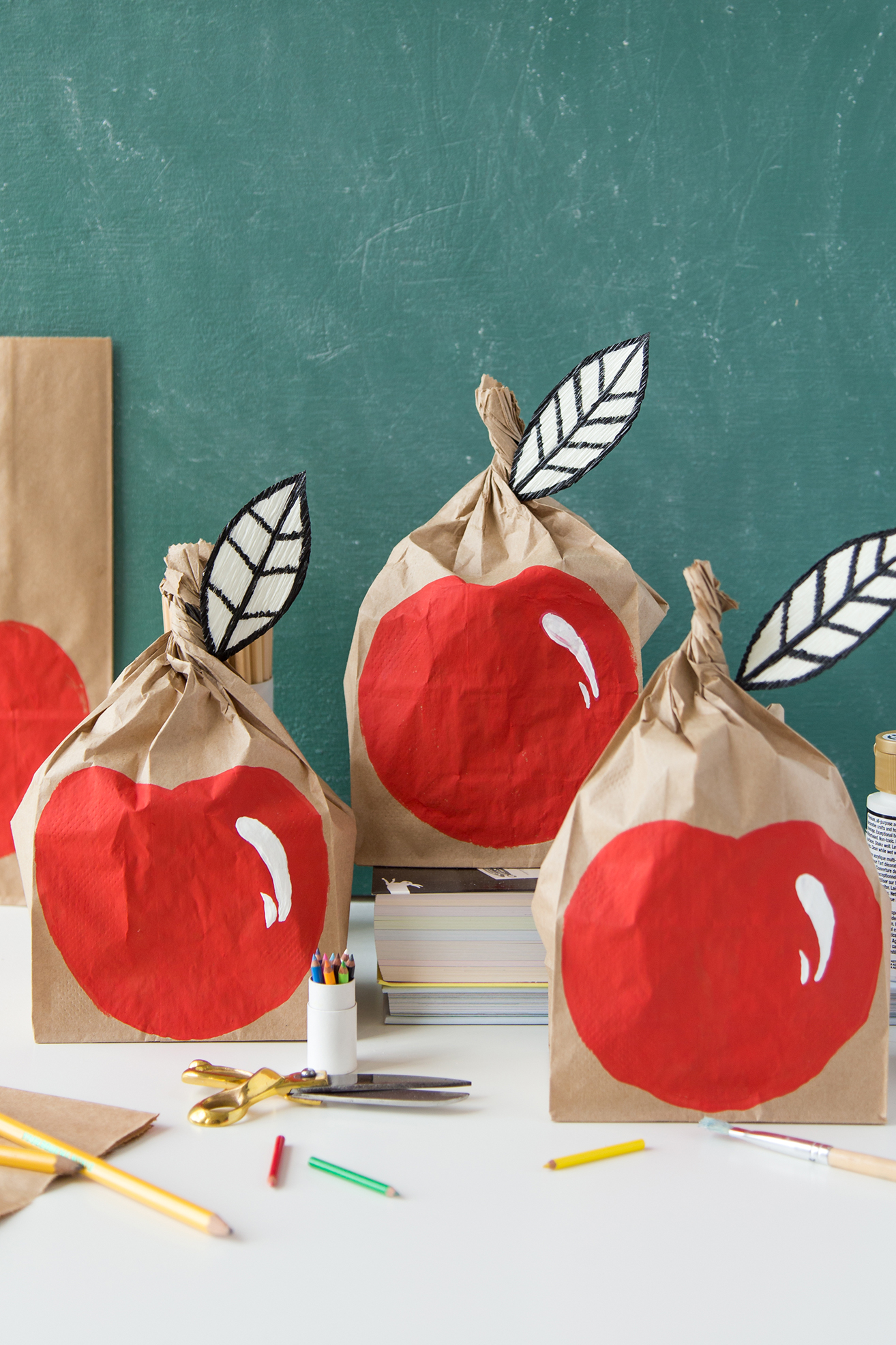DIY Apple Paper Lunch Sack for Back to School