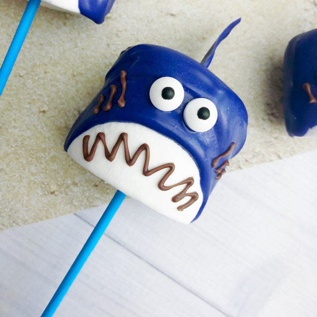 Shark Marshmallow Pops