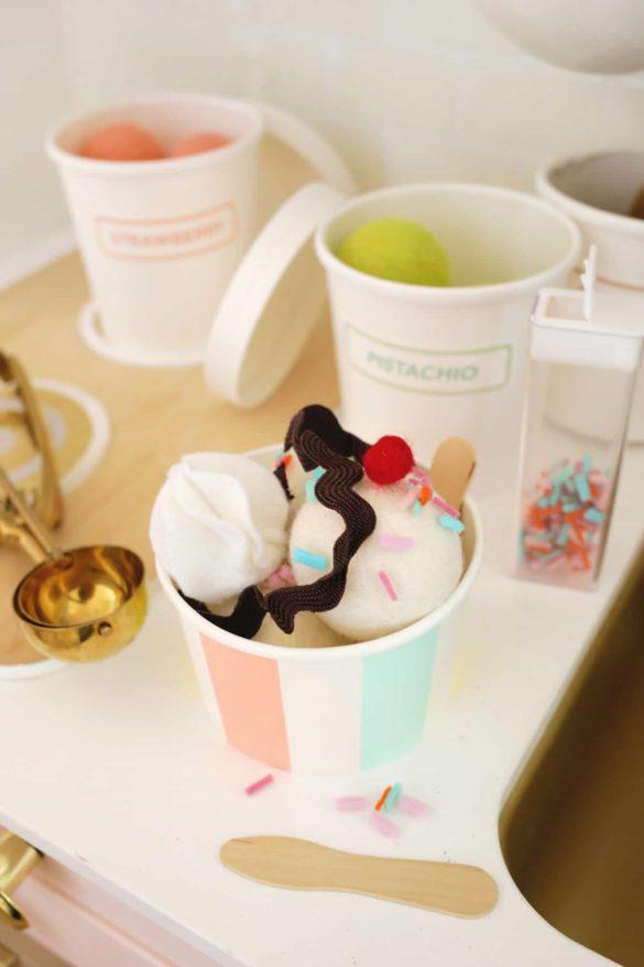 Felt Ice Cream Sundae Toy (A No-Sew DIY!)
