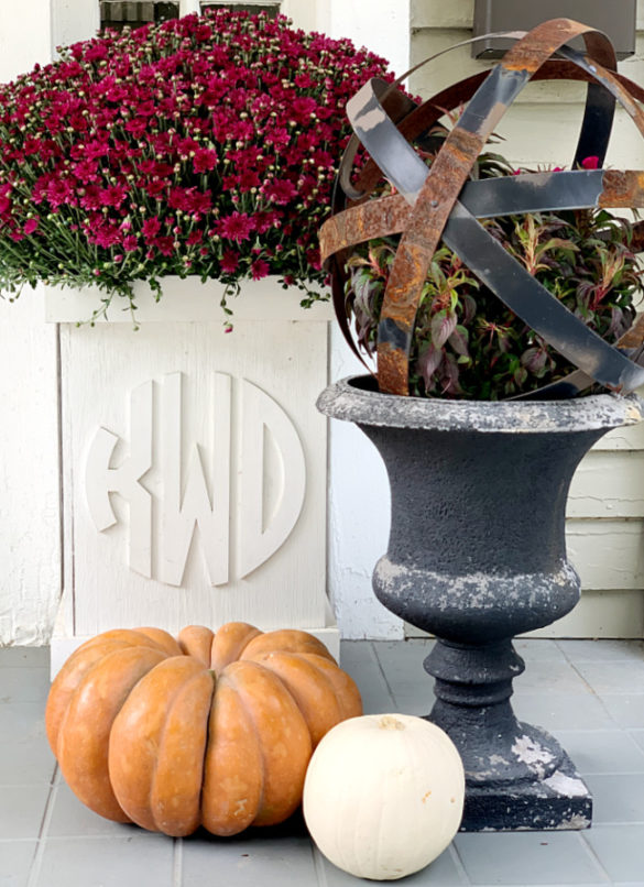 7 Simple Ideas To Decorate Your Fall Porch