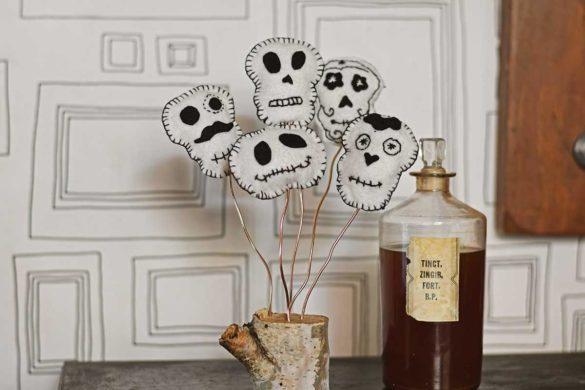 Scandinavian DIY Halloween Felt Decorations