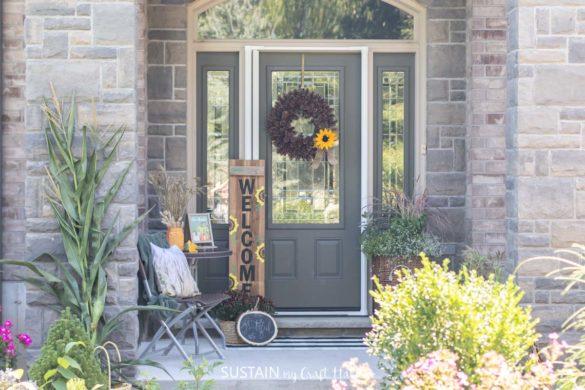 Budget Friendly Fall Porch Decor Ideas