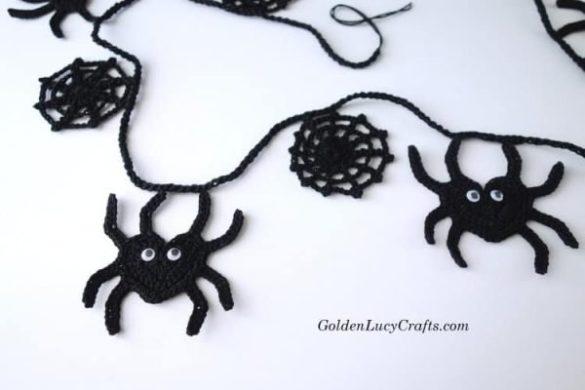 Crochet Halloween Spooky Spider Garland