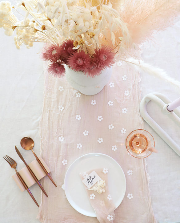DIY Boho Daisy Table Runner