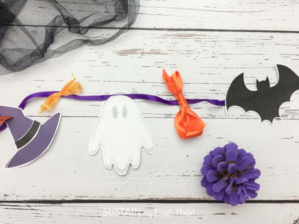 DIY Halloween Paper Garland (with free printable)