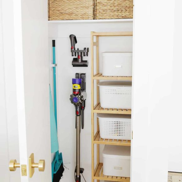 How To Organize a Closet in a Non-Permanent Way (No Drilling and Perfect For Renters!)
