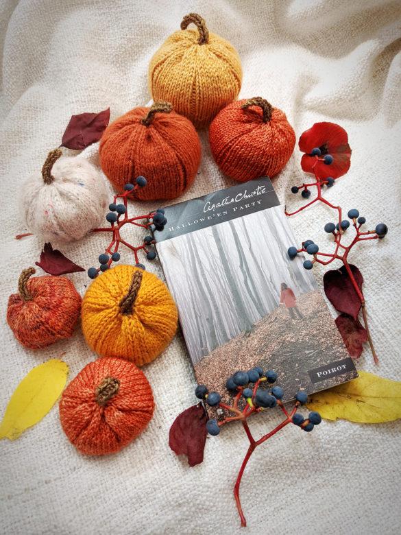 Super Quick Knitted Mini Pumpkins – Free Pattern!