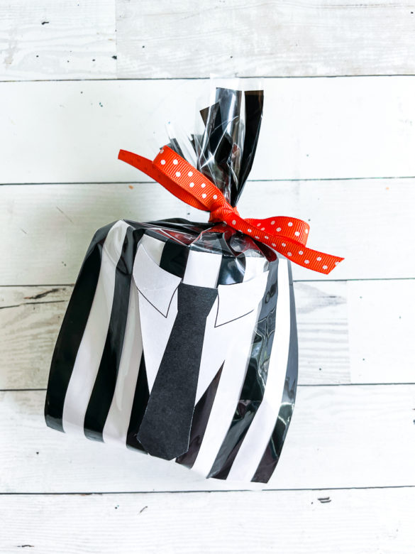 Halloween Treat Bags with Free Printable Stickers